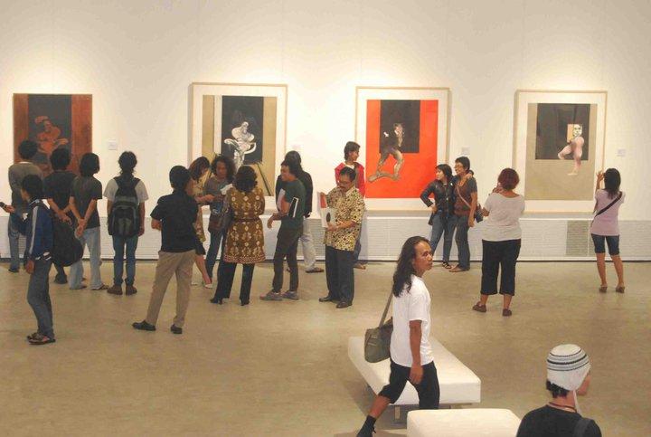 Bekerja Sama dengan Kedutaan Italia, Memamerkan Karya-karya seniman Avant Garde
