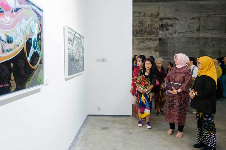 007_ugemi_pameran_sangkring_art_project_painting_woman_artist_rina_kurniyati_astuti_kusumo_oktober_2019