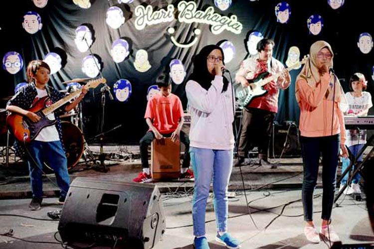 022_hari_bahagia_at_intimate_concert_keberbakatan diy_sangkringart_oktober_2019